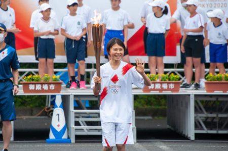 ~実際に聖火をつないだトーチが市内各所へ~ 東京2020オリンピック聖火リレートーチ・ユニフォームを展示します
